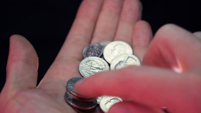 К чему снится мелочь, собирать(отдавать) монеты